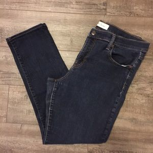 GAP 1969 | Real Straight Mid-Rise Jeans Size 32R
